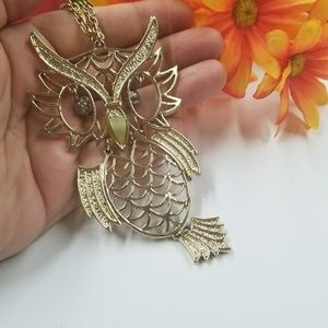 Beautiful VTG Owl Necklace.
